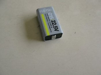 フラッシュガン用電池1.jpg